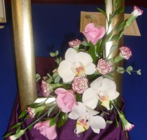 R8 2013 Highly Commended Floral Arrangement CAROL BUNCH Maidstone