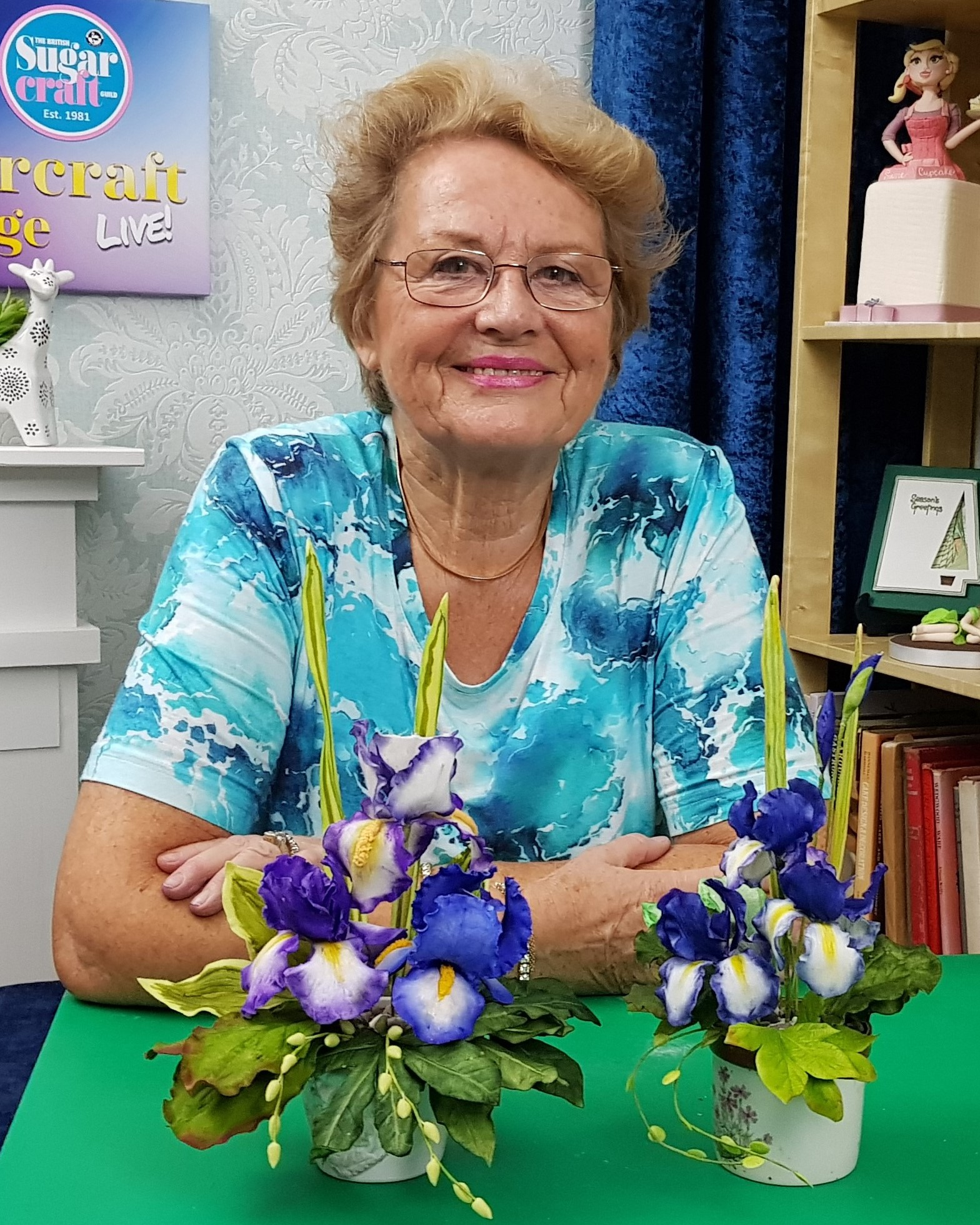 LESLEY DALTON - REGAL IRIS SUGAR FLOWERS