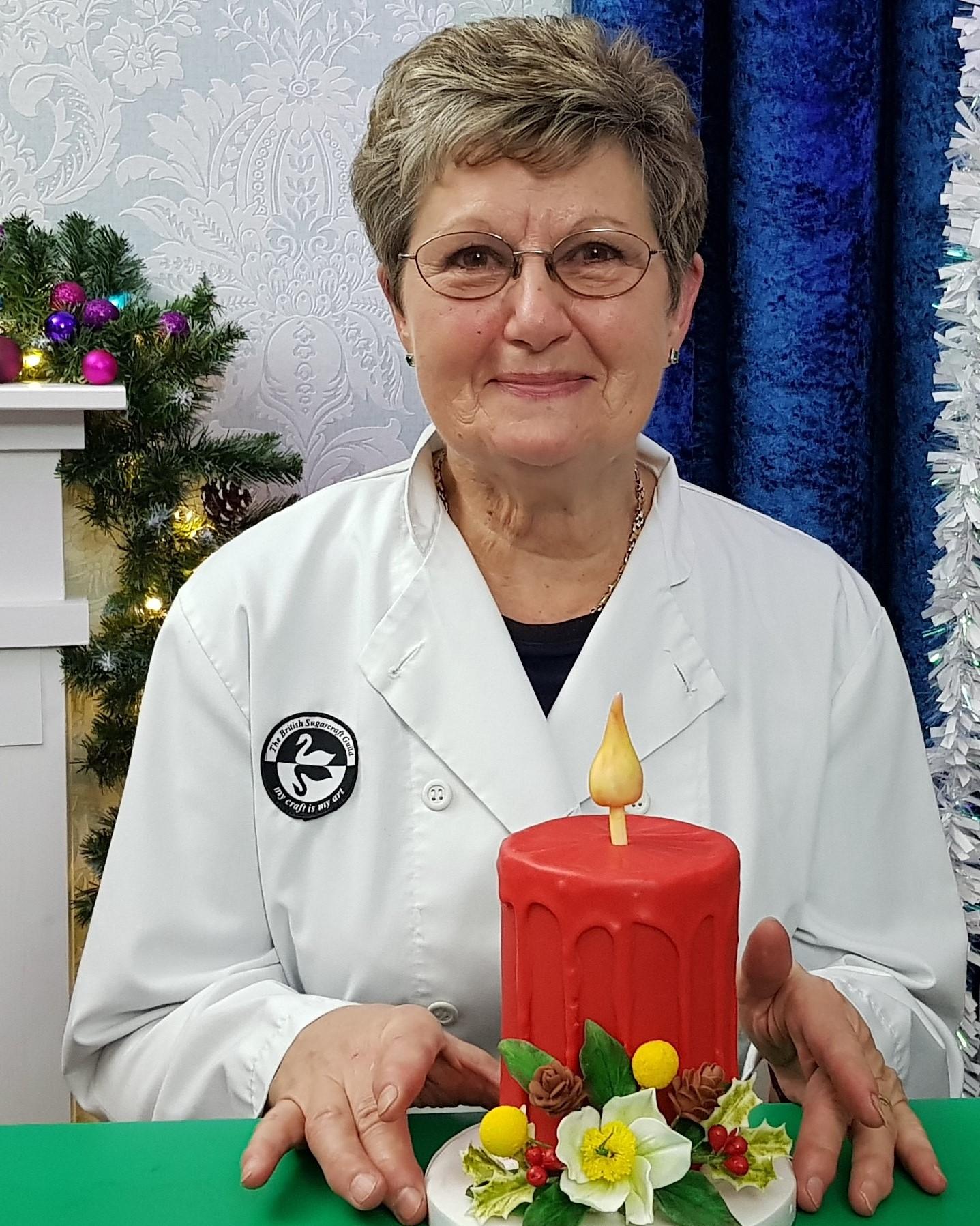 PAT SMITH - CHRISTMAS CANDLE CAKE