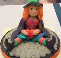 R1 2011 marzipan witch