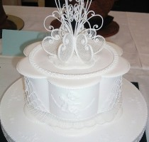 Royal Iced - Vivian Lee scroll cake